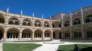 Jerónimos Monastery courtyard